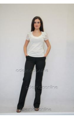 черные прямые брюки