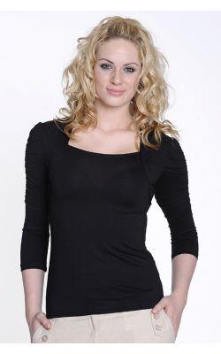 черная трикотажная блуза с вырезом каре