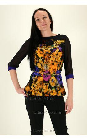 черная блуза с цветочным принтом