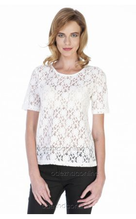 белая кружевная блуза с коротким рукавом