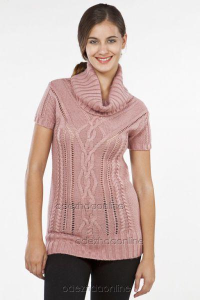 розовый свитер с коротким рукавом