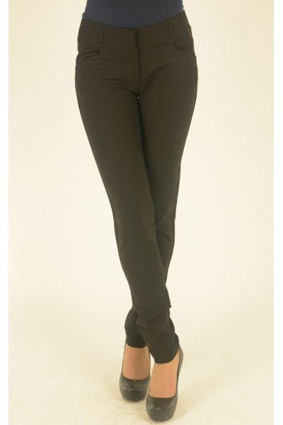 черные брюки на широком поясе