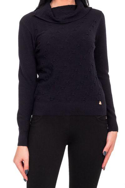 свитер с воротником хомут