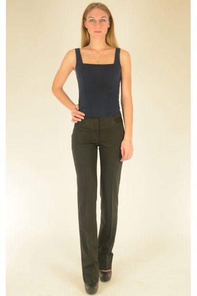 темно-серые брюки с атласным поясом