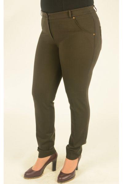 коричневые узкие брюки большого размера